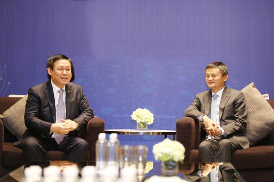 马云与越南副总理王庭惠会面